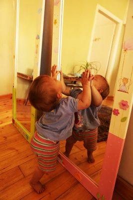 מראה לחדר ילדים 1