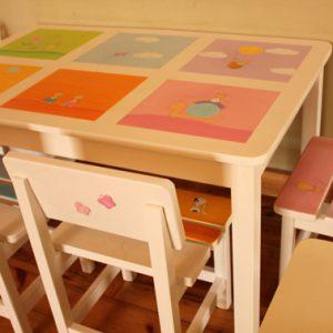 שולחן וכסאות מעוצבים לילדים - 6 חלונות צבעוניים 9