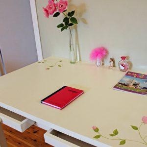 שולחן כתיבה מעוצב לחדר ילדות 5
