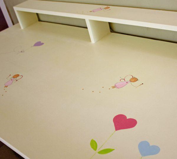 שולחן כתיבה מעוצב לילדות + יחידת מגירות מעוצבת 2