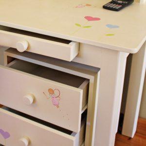 שולחן כתיבה מעוצב לילדות + יחידת מגירות מעוצבת 8