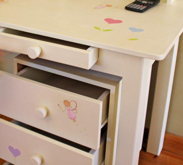 שולחן כתיבה מעוצב לילדות + יחידת מגירות מעוצבת 4