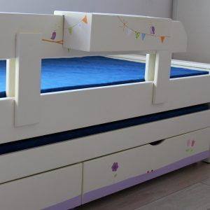 מיטה לחדר ילדים מעץ מלא בעיצוב מקורי 5