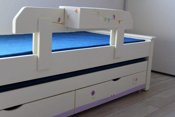 מיטה לחדר ילדים מעץ מלא בעיצוב מקורי 2
