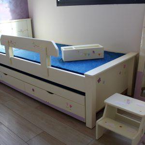 מיטה לחדר ילדים מעץ מלא בעיצוב מקורי 6