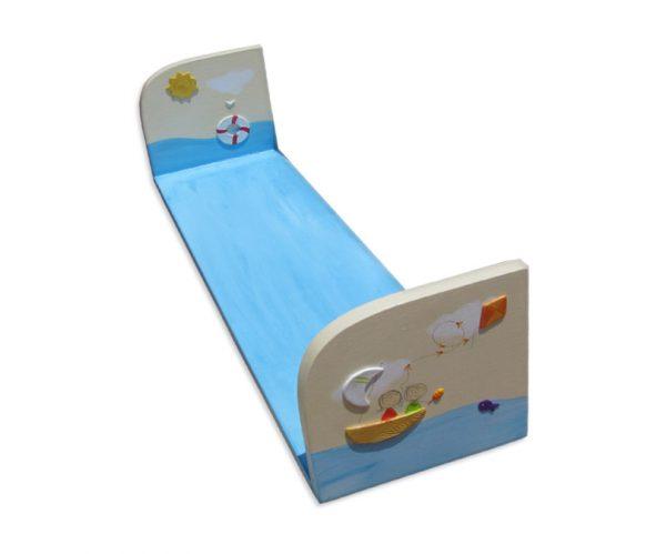 מדף מעוצב לחדר ילדים – סירה בים