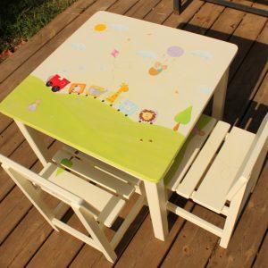 שולחן יצירה וכסאות לחדר משחקים- רכבת החיות