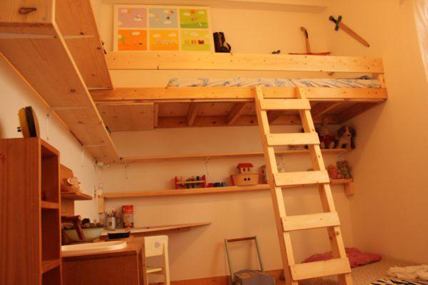 חדר ילדים מעץ אורן טבעי