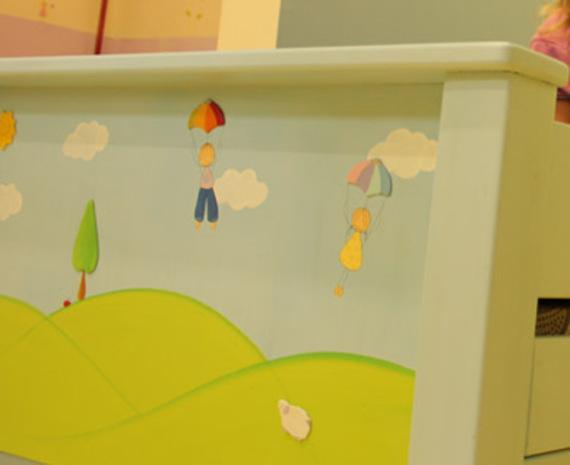 מיטה מעץ אורן מלא מעוצבת לחדר ילדים
