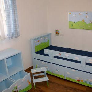 תמונה לחדר ילדים – ילדים מאושרים בטבע