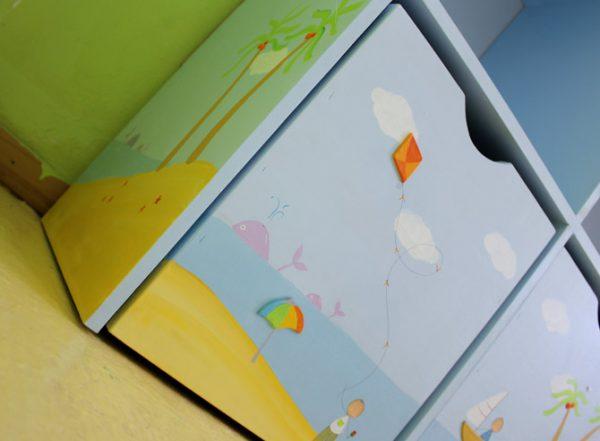 כוורת מעוצבת מעץ לחדר ילדים - דגם: גאיה