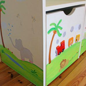כוורת אחסון מעץ לחדר ילדים. דגם: יונתן