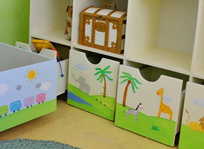 כוורת מעץ לחדר ילדים - דגם: שחר