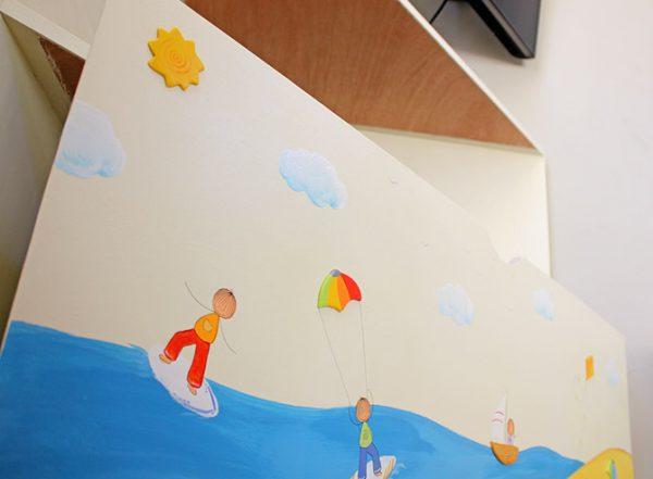 כוורת פינתית מעץ לחדר ילדים - דגם: דן