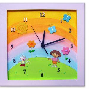 שעון מעוצב לילדים - דורה החוקרת