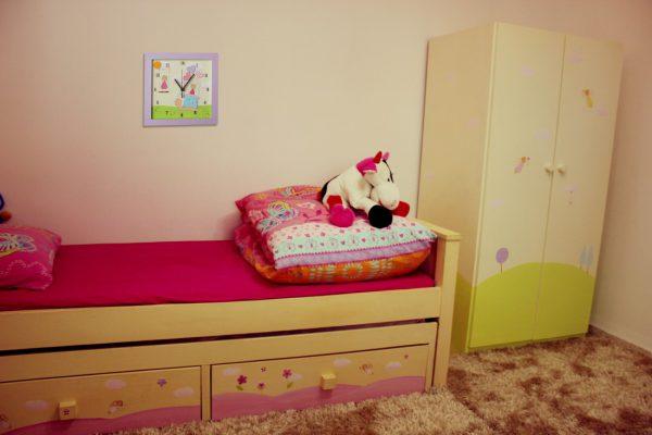 שעון קיר לחדר ילדות - ילדות ולבבות