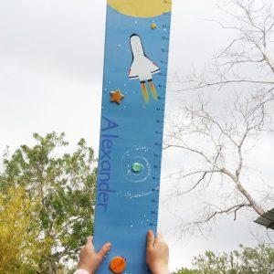 מד גובה לחדר ילדים. מד גובה מעץ לילדים.