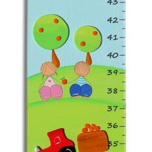 מד גובה לחדר הילדים – טרקטור במושב