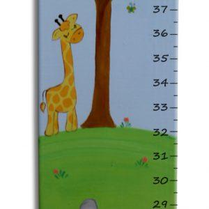 מד גובה מעץ בעיצוב חיות הג'ונגל
