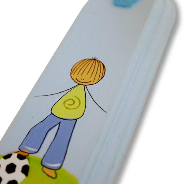 מזוזה לחדר ילדים - ילד ספורטיבי - כדורגל
