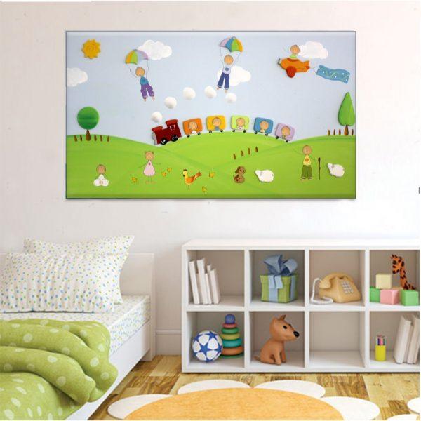 תמונה לחדר ילדים – רכבת צבעונית בשדות העמק