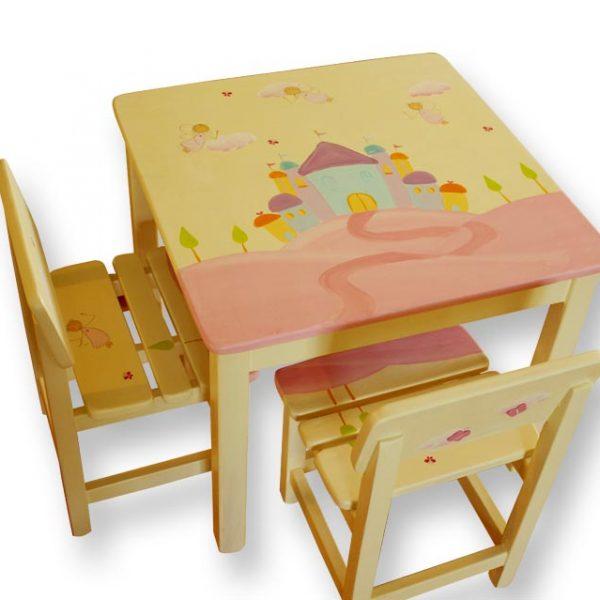 שולחן וכסאות מעוצבים לילדים - פיות מעל הארמון הקסום