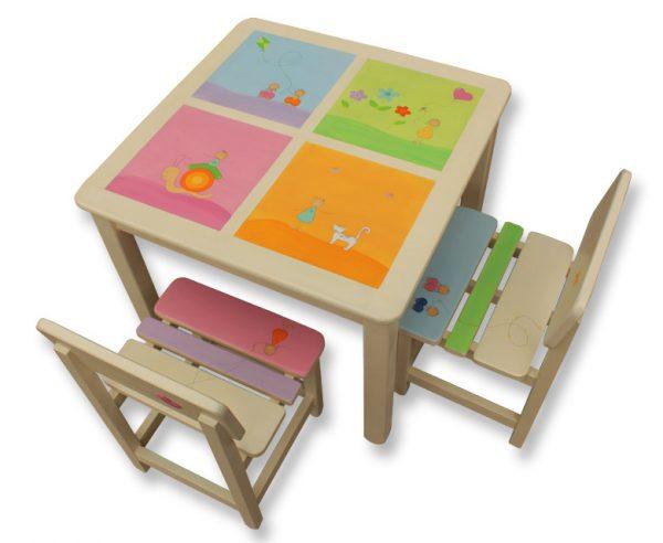 שולחן וכסאות לחדר ילדים - חלונות צבעוניים