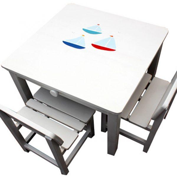 שולחן וכסאות לחדר ילדים - סירות מפרש בים