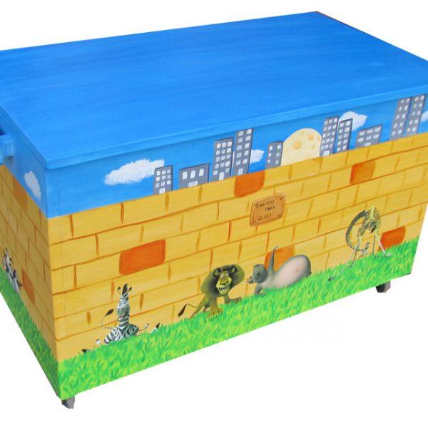 ארגז צעצועים – מאדגסקאר בנוף אורבני