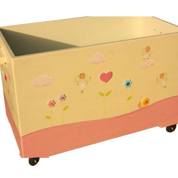 ארגז לחדר ילדות מעוצב עם פיות ולבבות