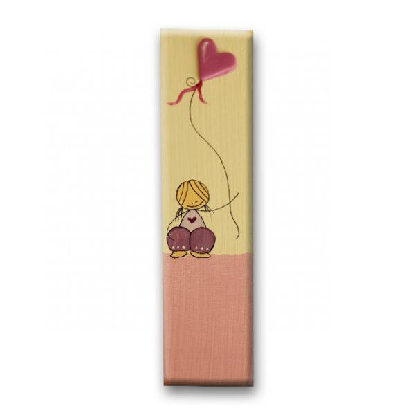 ידיות לארון ילדים - ילדה עם בלון לב