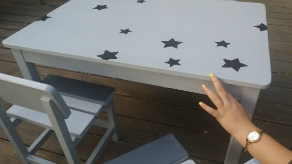 שולחן וכסאות לגן ילדים. דגם: כוכבים קסומים 1
