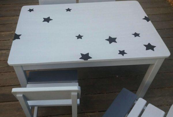 שולחן וכסאות לגן ילדים. דגם: כוכבים קסומים 2