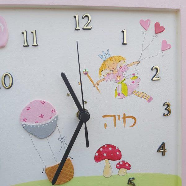 שעון לחדר ילדות - הפיה לילי ולבבות ורודים 2