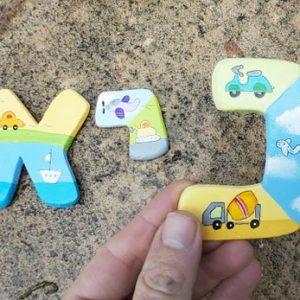 אותיות לחדר ילדים בעיצוב כלי תחבורה 8