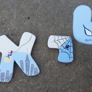 אותיות בעיצוב ספיידרמן - גיבורי על 3