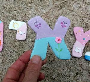 אותיות מעוצבות לחדר ילדות- דגם: ורוד/לבן/תכלת 5