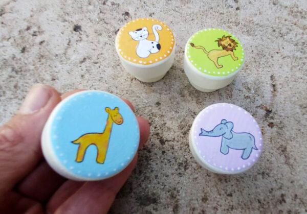 ידיות צבעוניות לחדר ילדים 4